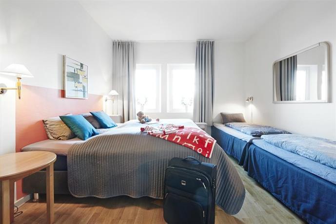 Rum med tre bäddar - A6 Hotell Jönköping